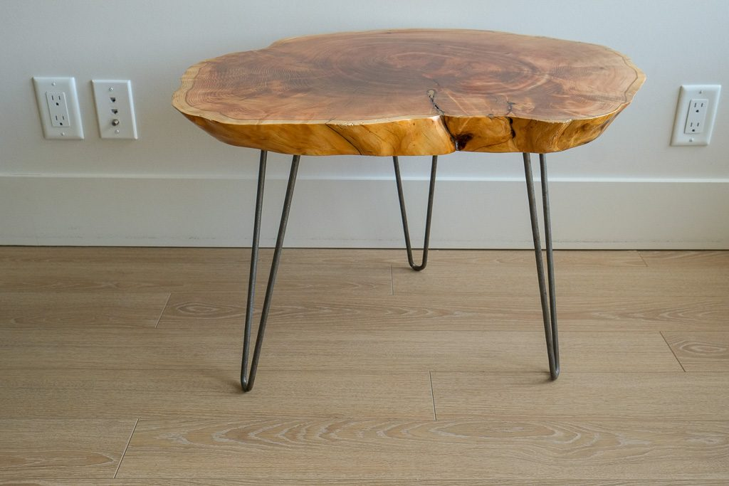 Maple round side table with hairpin legs